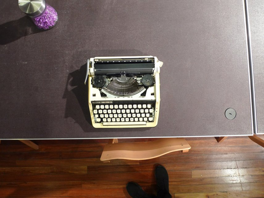 typewriter-01_lBd6lxO.jpg.855x0_q85