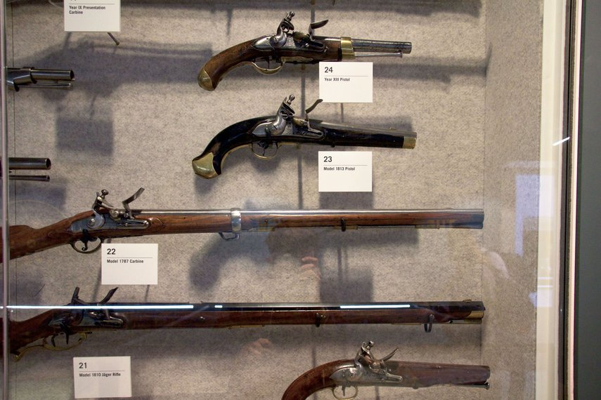 guns-01.jpg.855x0_q85
